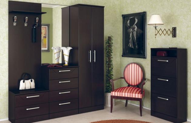 Фото: шкаф с открытой вешалкой