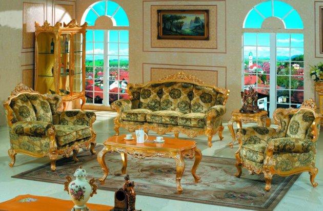 Фото: большие арочные окна подчеркнут особенности стиля