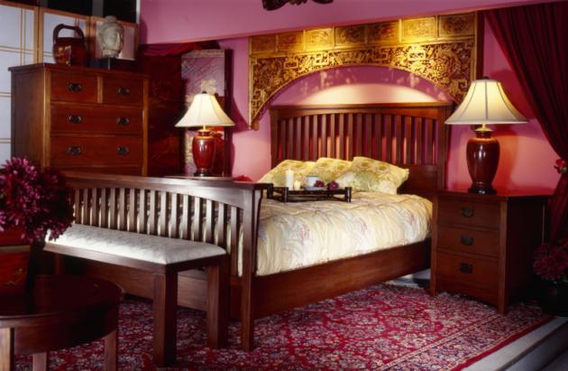 Фото: бордовая спальня в восточном стиле