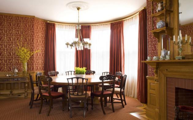 Фото: обои, имитирующие ткань, в интерьере столовой