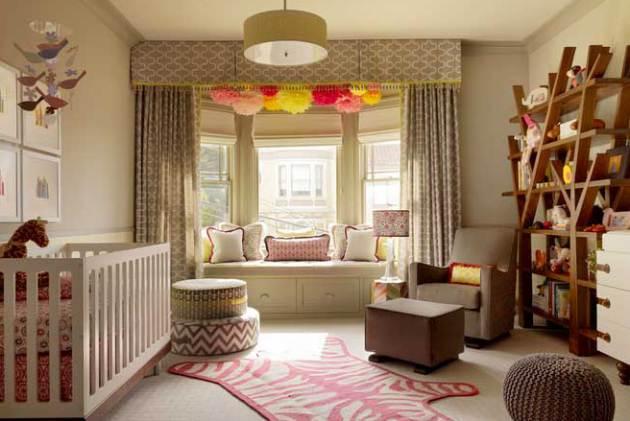 Фото: стеллажи в интерьере комнаты для новорожденного
