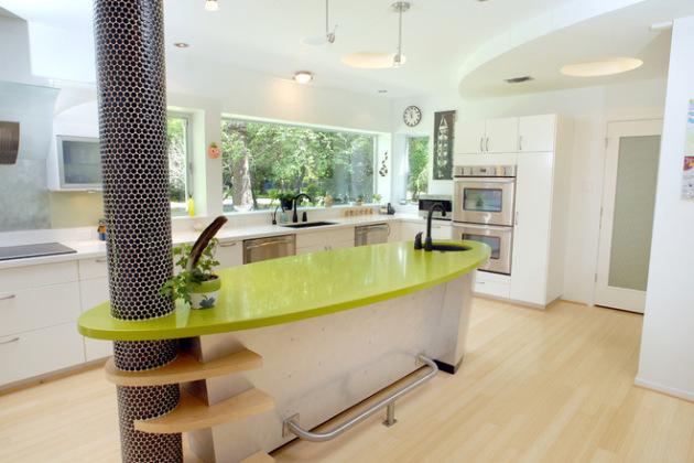 Фото: островная кухня