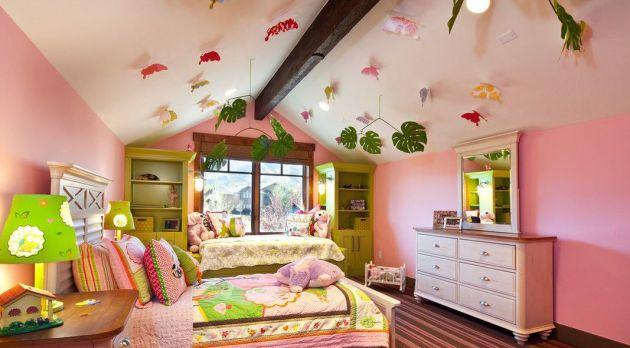 Фото: декорирование потолка в детской комнате на мансарде