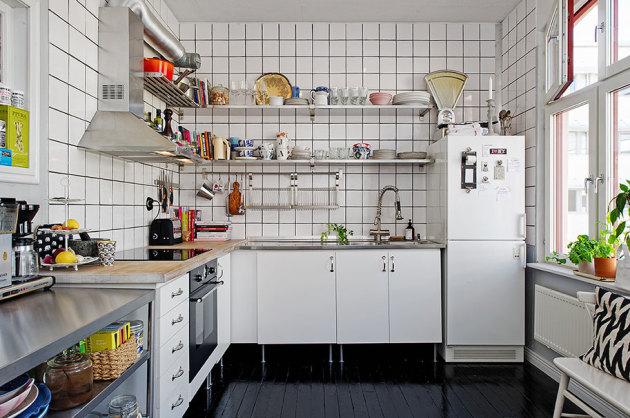 Фото: грамотное размещение холодильника