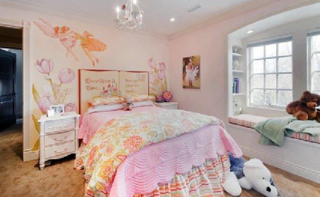 Фото: фрески в интерьере детской комнаты