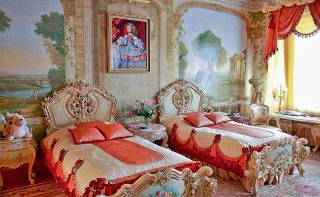Фото: детская комната, оформленная в стиле рокко