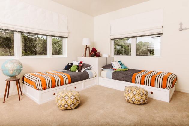 Фото: угловое размещение кроватей