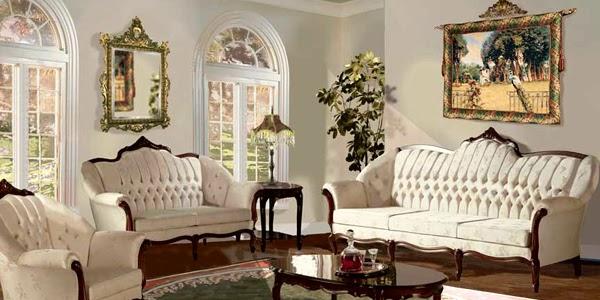 Фото: окна в форме арок подчеркнут особенности стиля