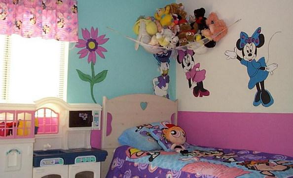 Фото: виниловые наклейки с любимыми героями вашего малыша сделают интерьере комнаты уютнее и комфортнее