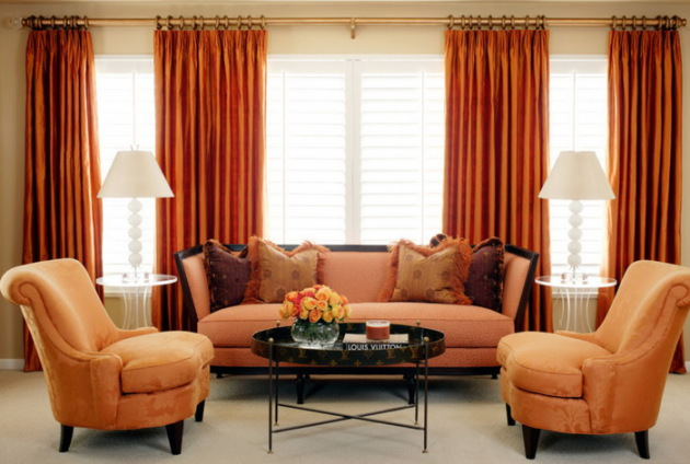 Фото: персиковый цвет в интерьере гостиной