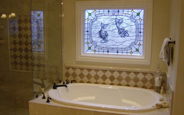 Фото: фальш-окно в ванной
