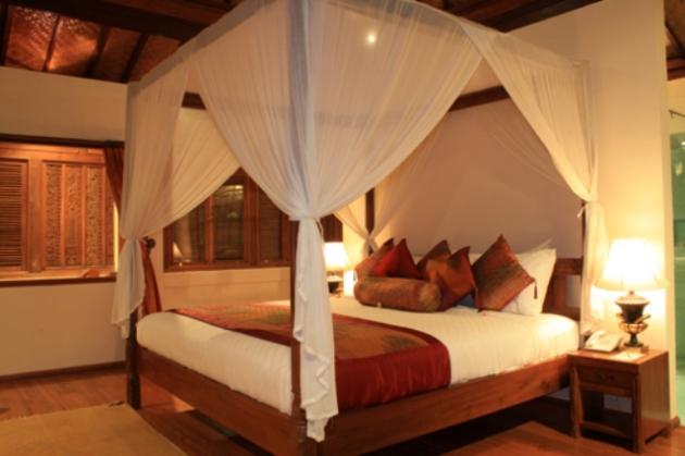 Фото: оформление кровати балдахином