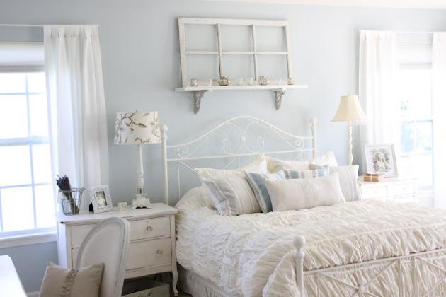 Фото: кровать с коваными спинками