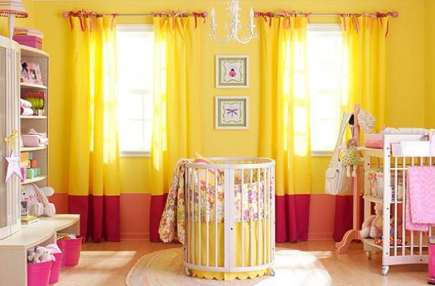 Фото: желтые шторы помогут вам создать иллюзию тепла и света