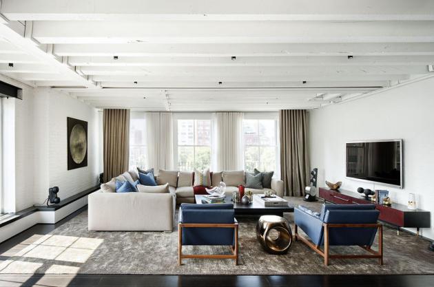 Фото: мягкая мебель, без пышного декора и отделки, гармонично впишется в функциональное пространство