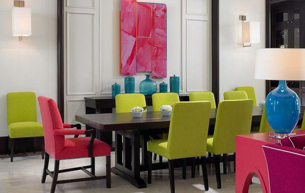 Фото: столовая, сочетающая белый, салатовый и фуксию