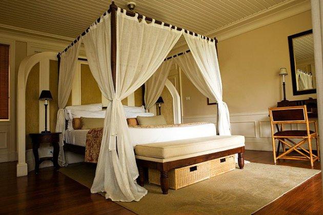 Фото: спальня в британском колониальном стиле