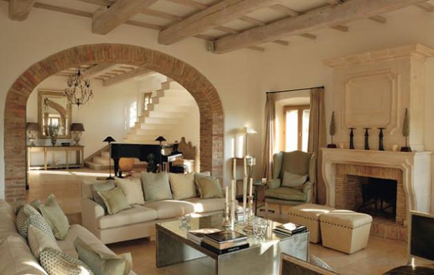 Фото: арочные элементы являются неотъемлемой частью итальянского стиля
