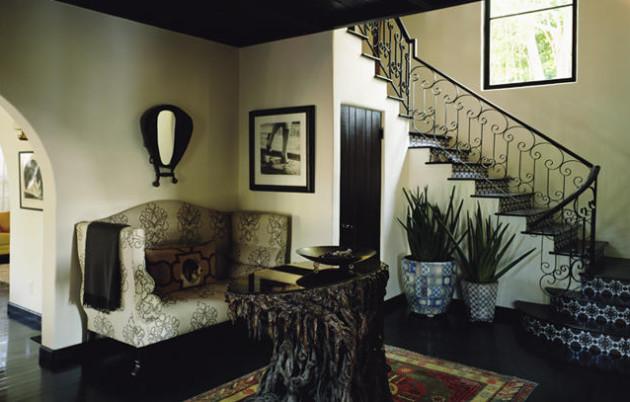 Фото: кованые поручни лестниц добавят в атмосферу интерьера романтичности и элегантности