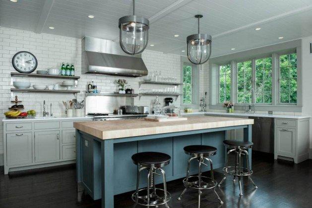 Фото: кухня без навесных шкафов в индустриальном стиле