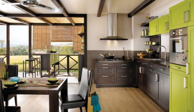 Фото: деревянные балки у потолка являются отличительной деталью восточного стиля