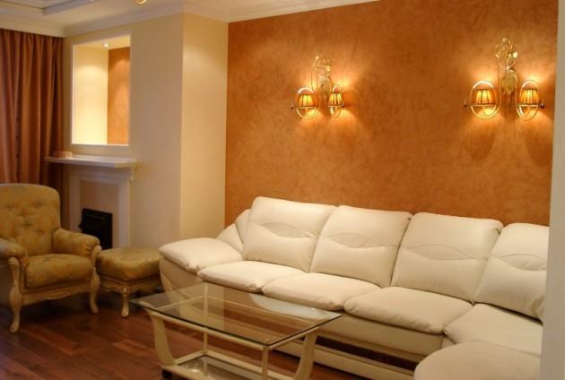 Фото: венецианская штукатурка в интерьере гостиной