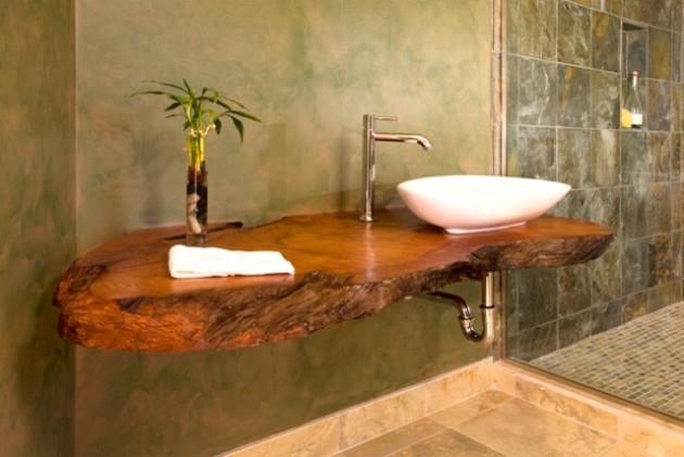 Фото: идея оригинальной деревянной полочки в ванной