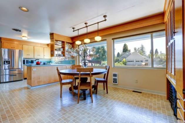Фото: линолеум в интерьере кухни, совмещенной со столовой