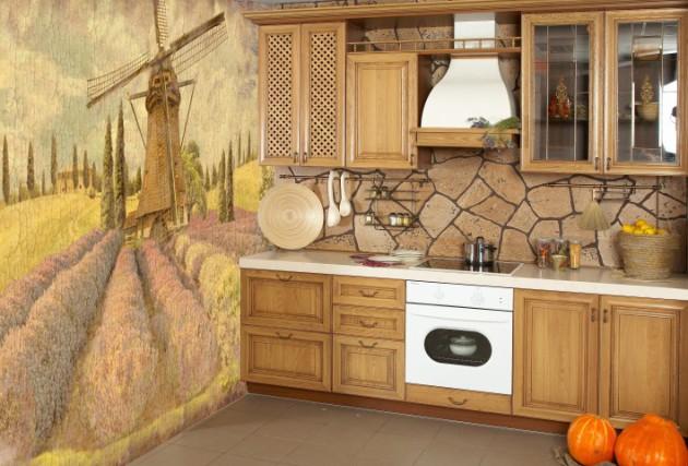 Фото: для небольших кухонь отлично подойдут фотообои теплых тонов