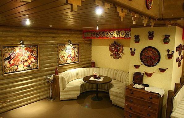 Фото: декорирование гостиной символическими поделками