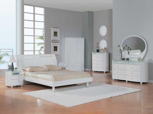 Мебель белого цвета в интерьере спальни