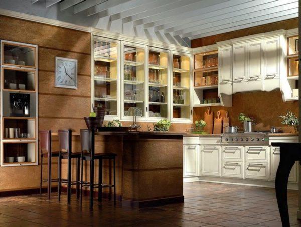 Большая кухня в итальянском стиле