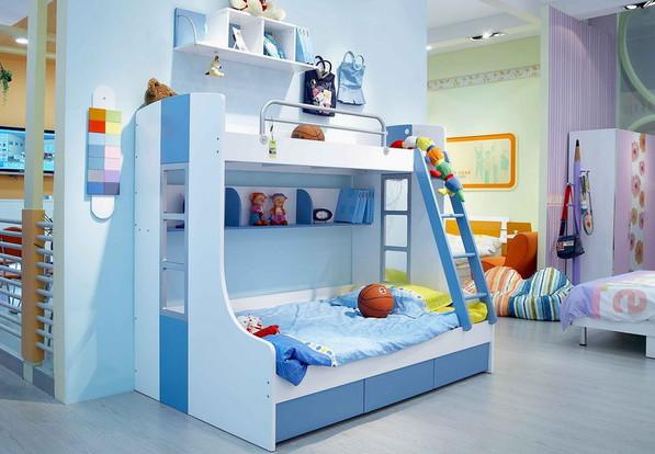 Дизайн комнаты для двоих детей в синих тонах