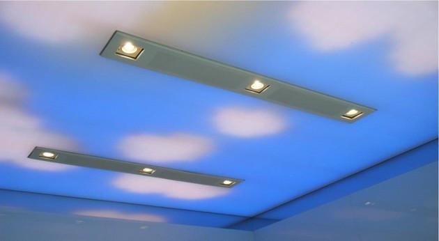 Дизайн потолка со встроенными светильниками