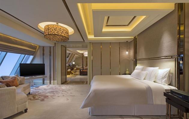 Современный дизайн потолка 2017 в оформлении спальни