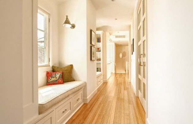 Идея дизайна длинного коридора с окнами