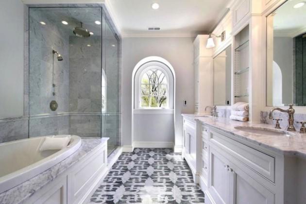 Дизайн просторной и светлой ванной