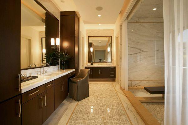 Тёмная мебель в интерьере ванной комнаты