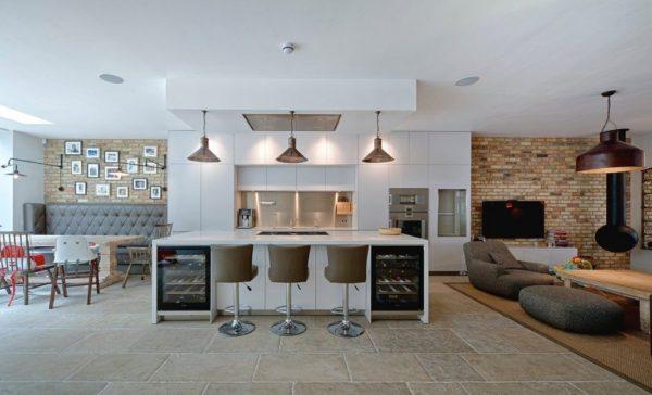 Оформление просторной кухни-гостиной в стиле модерн