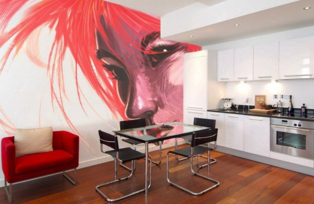Фото: роспись стены в интерьере кухни, совмещенной со столовой