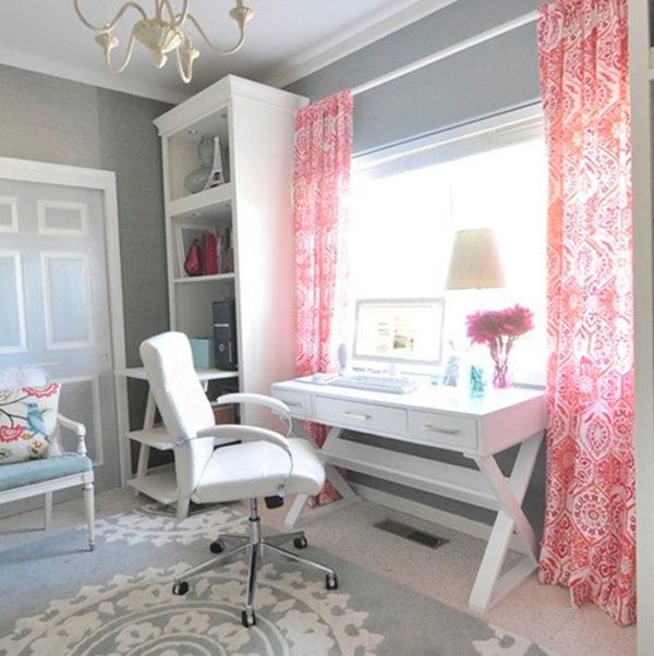 Детская комната с текстилем в розовых тонах