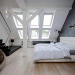 Серо-белая спальня в стиле лофт