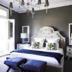 Серый и синий цвета в интерьере спальни