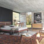 Интерьер спальни в бежево-коричневых тонах