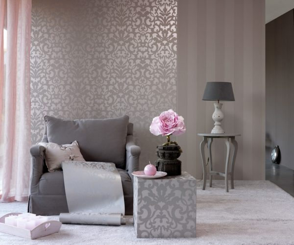 Серый фактурный интерьер гостиной