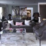 Монохромный интерьер гостиной