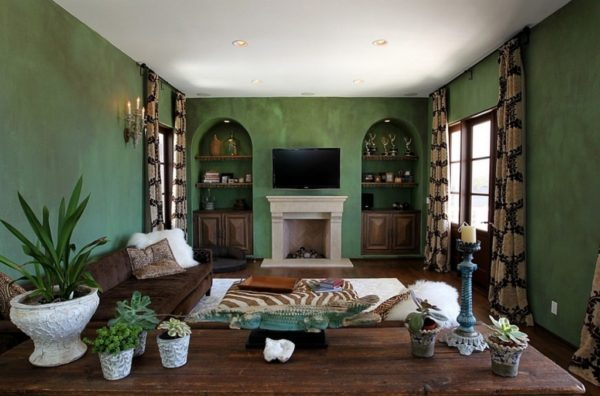 Коричневый и зелёный интерьер гостиной