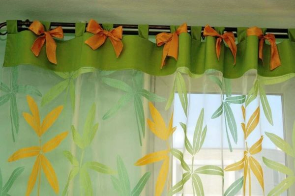 Короткие шторы на завязках