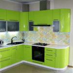 Салатовый в интерьере кухни