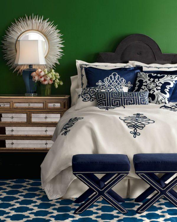 Синий и зелёный в интерьере спальни